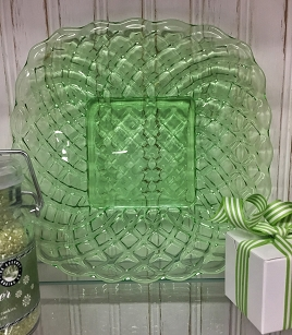 Green Glass Trellis Plate - 8 1/2